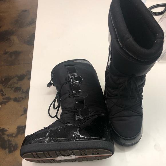 timeless design e0d3f 267af Black Moncler Moon Boots size 38-40 NEW